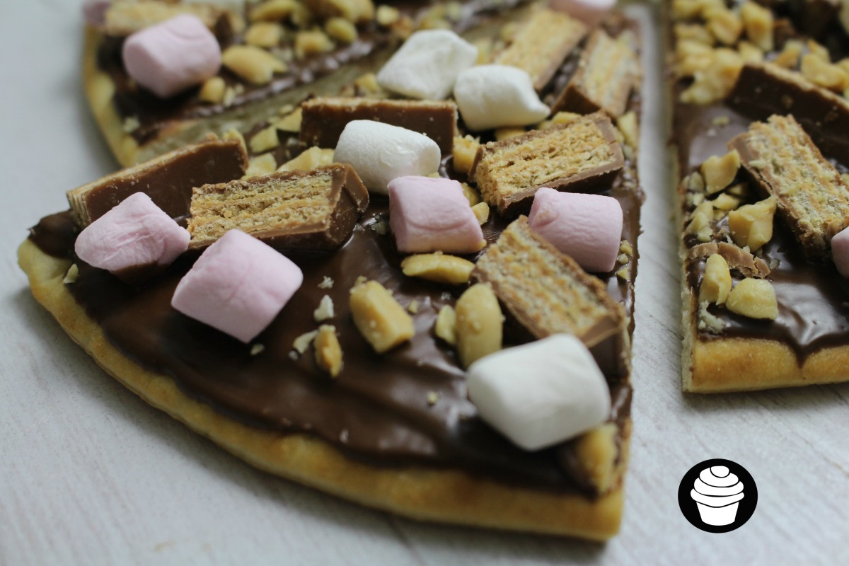 Kitzza (Kit Kat Chocolate Pizza)